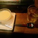花咲かじいさん - 冷し茶碗むしとドリンクバーの麦茶