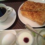 CAFEりんく - モ~ニング(+100)アーモンドトースト