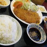 天心軒 - 「天心軒」 とんかつ定食 680円