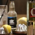 品濃酒場 - 宝焼酎その名も極上!旨味のあるクリアな味で絶好調。生絞りサワーには最高の焼酎です。