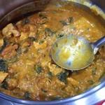 インドレストラン バーワルチー - Sag Chicken(サグチキン:ほうれん草とチキン)