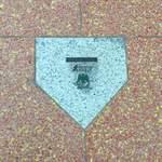 ハーブス - 下は 大阪球場 ホームベースが