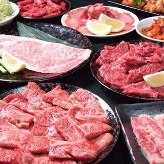 【盛り合わせ】おとくな大皿のお肉盛り合わせです