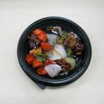 マルエツ プチ - 「黒酢酢豚丼」です。