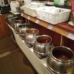 インドレストラン ナンハウス - 食べ放題のカレーは5種