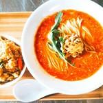 担々麺専門 麺香れんげ - 料理写真: