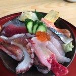 幸ずし - 見附島海鮮丼  2000円