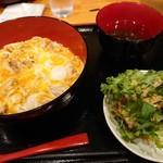 ほたる - 親子丼とサラダ