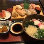 86880027 - ☆喜八定食(1470円)。寿司はシャリと酢の効きが程よく好みの酢飯でした。うどんは甘めの出汁が効いてます。コスパも良いですね。