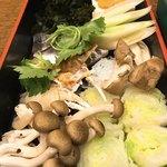 にし家 - 野菜も海鮮も投入します