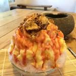 菓子・茶房 チェカ - 苺のミルフィーユのかき氷