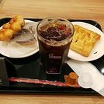 ミスタードーナツ  新札幌デュオショップ - アイスコーヒーと野菜のパイ・クロワッサンチョコドーナツ・ポンデブリュレ。