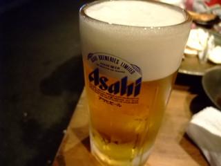 大阪産(もん)料理 空 - まずは生ビールで乾杯ですね!