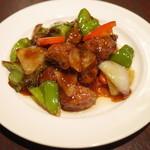 チャイナスクエア - 肉がゴロゴロ黒酢の酢豚