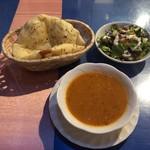 Ankara - セットのスープ・サラダ・ピタパン