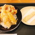 シャッツ - 「おまかせ天丼(680円:税抜)」と追加で「海老(80円:税抜)」