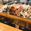 ふらの家本町酒場 - 料理写真:カウンターには今日イチオシの海産物が並びます