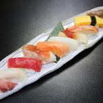 寿司七種盛り