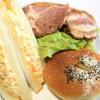パン アイハラ - 料理写真:たまごのサンドウィッチ、厚切りトマトと大山ハムのサンド、もっちりカレーパン