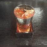 庵河豚 - ドリンク写真:冷たいひれ酒…「冷ひれ酒」。冷たいのにふぐの旨味がディテールに至るまで、良く出ている一品。