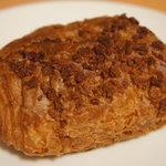 小麦と酵母 満 - パン・オ・ショコラ(200円)☆やや小ぶりです。