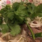 ベトナム料理 アオババ - パクチー投入(^_−)−☆