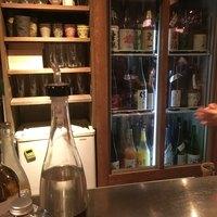 とりのほまれ-日本酒が色々。酒器も艶っぽくてオサレ