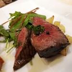 リストランテ カーザ・アルべラータ - 【メイン】黒毛和牛クリミの炭火焼き  お肉のうま味がスゴい❗