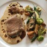レストラン クレッセント - ブルターニュ産 仔牛のミジョテ クリームソースといろいろな茸
