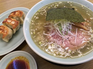 麺屋 つるる - 「塩ラーメン」650円+「大盛」100円+「餃子3個」280円=1030円