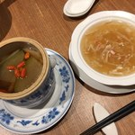 Chuugokuyakuzenryourishinfuu - 星 薬膳蒸しスープ、フカヒレのスープ