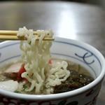 沖縄そばの店マドカ - 麺リフト