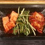 ホルモン 長岡 - キムチ盛 左:長芋   中:水菜   右:白菜