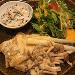和食家 駿 - 水菜のサラダ付き。