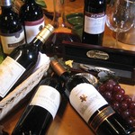 何駄感駄 - シニアソムリエがいるのでリーズナブルで美味しいワインが選べます