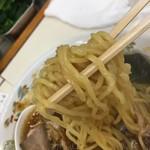 Aoshimashokudou - ややウェーブかかった細麺