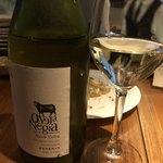 燻製イナダ商店 - 白ワインのボトル