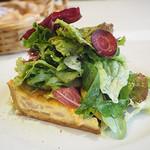 サン・ル・スー - 田舎ふうおそうざいサラダ(キッシュロレーヌ・お肉のテリーヌ入りサラダ)