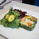 サン・ル・スー - オマール海老・天使の海老・サーモンの燻製と野菜のテリーヌ仕立て