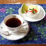 風 - コーヒーカップは、リチャード・ジノリのフルーツ柄