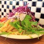 洋食Mogu - 山盛りサラダ