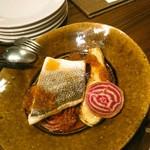 ビストロ ディヴァン - スズキのオーブン焼き  2200円(税別)