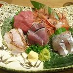 86946188 - 鮮魚のお刺身五店盛り