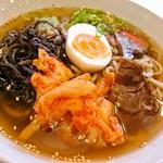 六盛 - 六盛 きくらげ冷麺