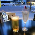 スペインバル・ラバリーカ - 立ち飲み限定 ビール、スパークリングワイン(ともに350円)