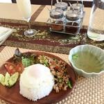 タイ料理店 プラーカポン