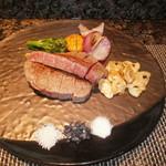 86949990 - 黒毛和牛フィレと野菜焼