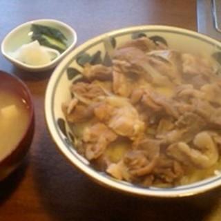 焼肉 赤ちょうちん - 料理写真:牛すじ煮込み丼