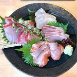 板bar hazusi - お造り 豊後水道の地魚4種盛り合わせ