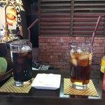 カフェ&ダイニング 北海道マルシェ - アイスコーヒーとウーロン茶
